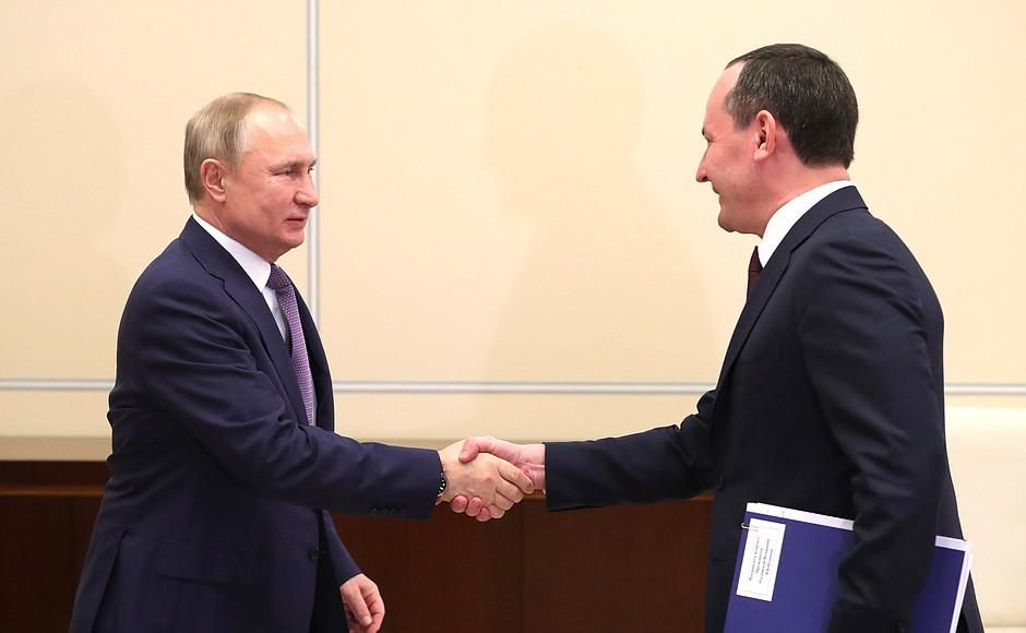 Владимир Путин встретился с председателем правления, генеральным директором публичного акционерного общества «Россети» Павлом Ливинским.