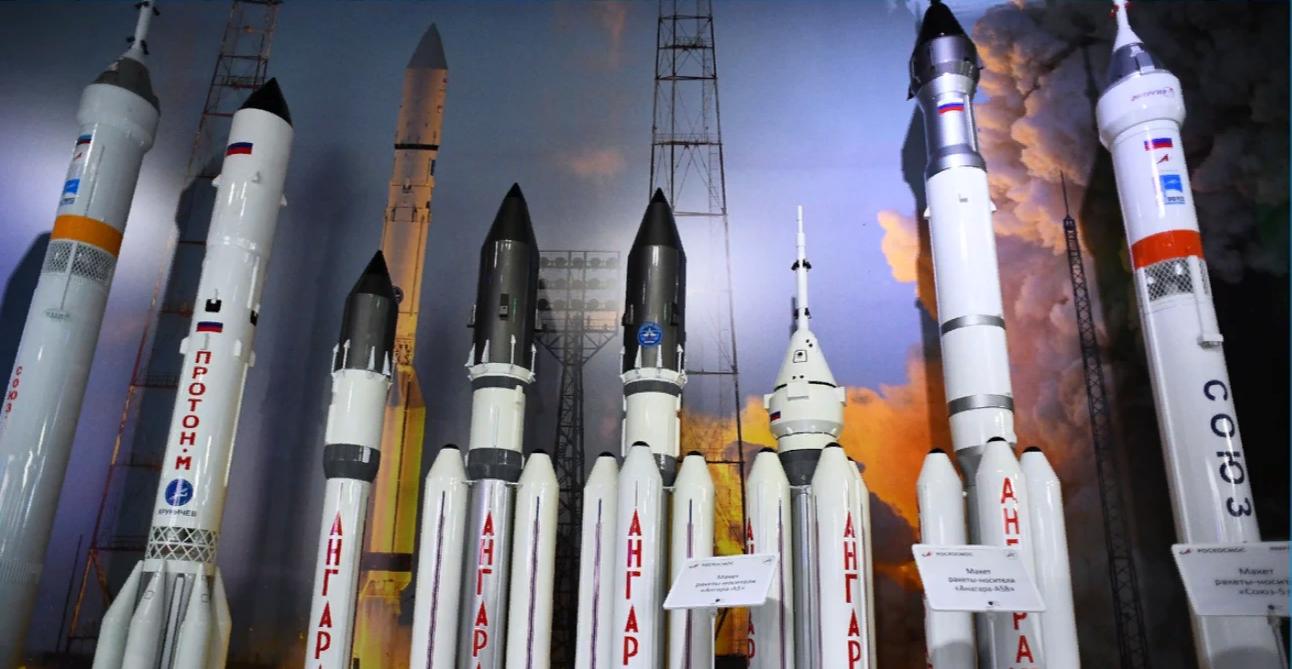 Макеты ракет Ангара - А5 и Ангара- А5Б, разгонные блоки Бриз-М, ракета Рокот-М, Протон-М